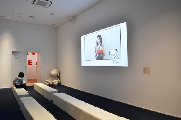 吉本ばななさん、ジーン・シュルツさん、前田敦子さん、スティーブ・マーティノさん、山﨑康晃さんの映像コメントが観られる「愛しのピーナッツ。」
