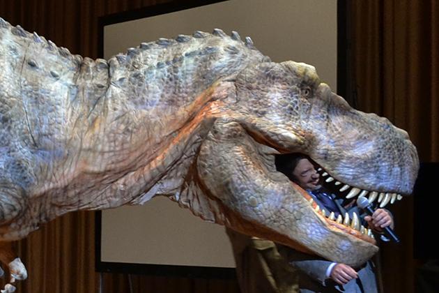全長8m超の世界最大・世界初の二足自立歩行型恐竜!新型「ティラノサウルス3号」世界初公開!