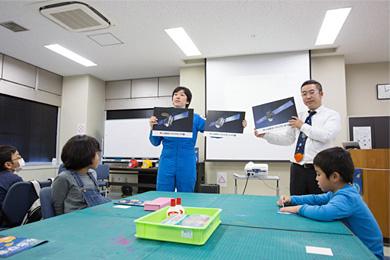 みちびきキッズ 〜ペーパークラフト教室〜 in 日本科学未来館