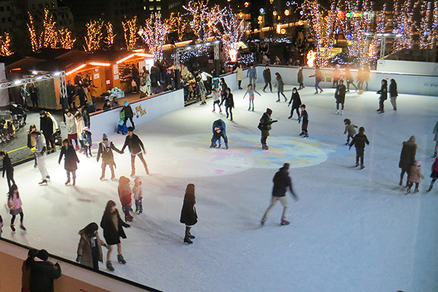東京スカイツリー®を見上げながらアイススケートを楽しもう!トウキョウ スカイツリー タウン アイススケート パーク
