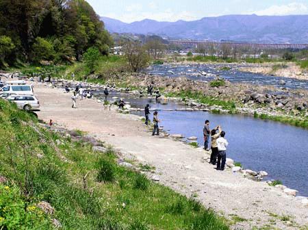 澄んだ湧き水で育った魚を釣って味わう! 片品川国際マス釣場