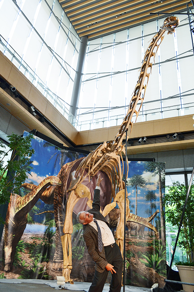ねば〜る君も応援!「メガ恐竜展」1日限りの先行公開!ヨーロッパ最大の恐竜「トゥリアサウルス」がマルキューブに出現!