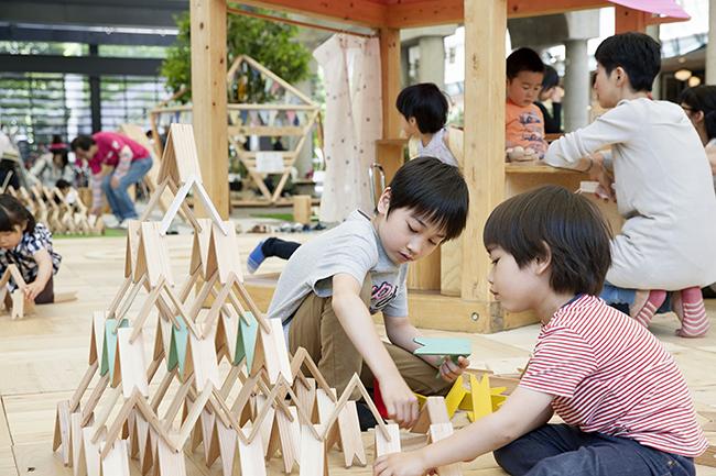 ゴールデンウィークに六本木のアークヒルズで子供と楽しめるワークショップ木育イベント「木とあそぼう 森をかんがえよう with more trees」