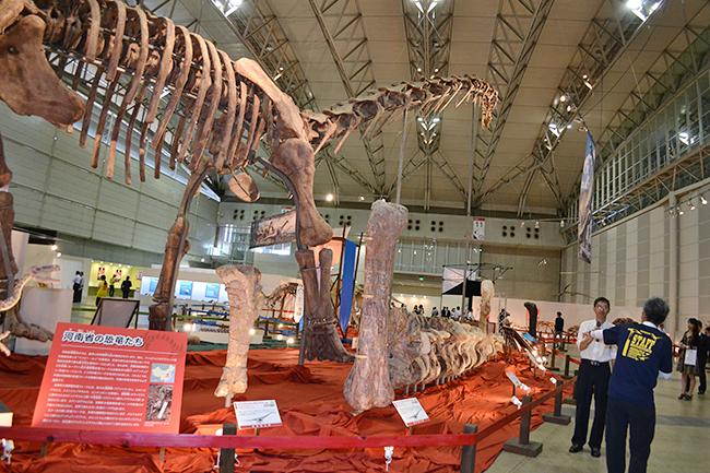 子供たちが大好きティラノサウルスも!夏休みに開催「ギガ恐竜展2017 -地球の絶対王者のなぞ-」に行ってきた!