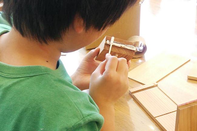 フジテレビKIDSの子供たちの夏休みワークショップ、木材でロボットをつくる木育ワークショップ!