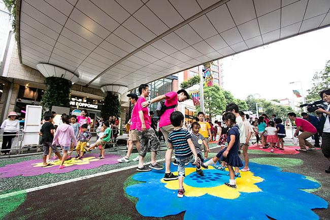 子供と一緒に盆踊りを楽しもう!六本木の夏の風物詩「六本木ヒルズ盆踊り 2017」が2017年8月25日(金)〜27日(日)に開催!子供向けワークショップも開催!