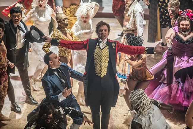 ミュージカル好きなら子供と一緒に楽しめる!ヒュー・ジャックマン主演、感動のミュージカル・エンターテインメント!2018年2月に全国公開『グレイテスト・ショーマン』作品紹介