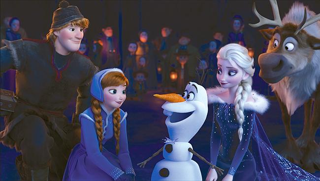 子供と一緒に観たい映画!2018年3月16日(金)全国ロードショー! ディズニー/ピクサー最新作『リメンバー・ミー』同時上映『アナと雪の女王/家族の思い出』で、アナとエルサが初めて一緒に歌う新曲「When We're Together」が初披露!