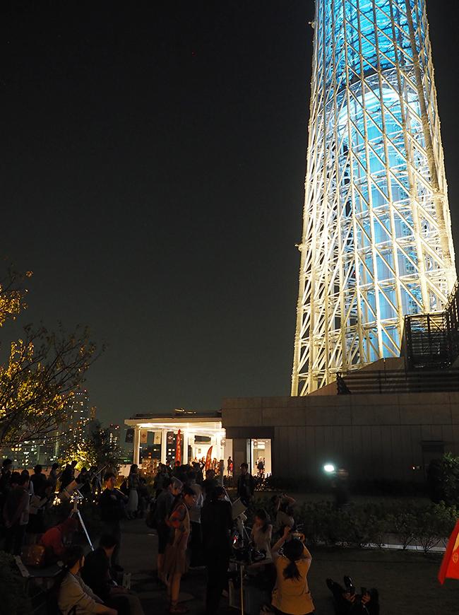 子供と一緒に名月を愉しもう!東京ソラマチ、東京スカイツリーから見る上弦の月、中秋の名月などの名月鑑賞会