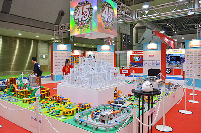 子供と一緒に、5年後、10年後、子供たちが大人になる頃の未来を一緒に体感!第44回東京モーターショー2015が東京ビッグサイトで開幕!