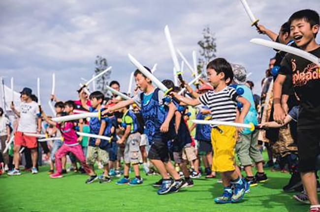 子供たちが大熱狂! フリマやネイル、チャンバラ合戦など!「Kids Festa MORE in お台場セントラル広場」が2017年11月23日(木・祝)に開催!