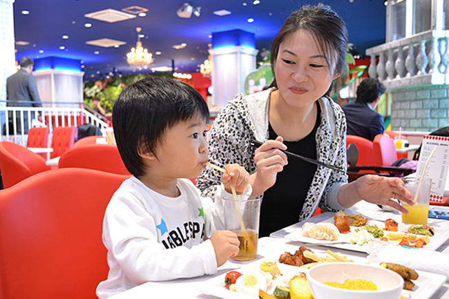2015年12月10日(月)西東京エリア初のららぽーと「ららぽーと立川立飛」がオープン!子供と一緒に楽しめる「しろたんフレンズミュージアム」「KidsBee(キッズビー)」「mogoon(モグーン)」をご紹介!