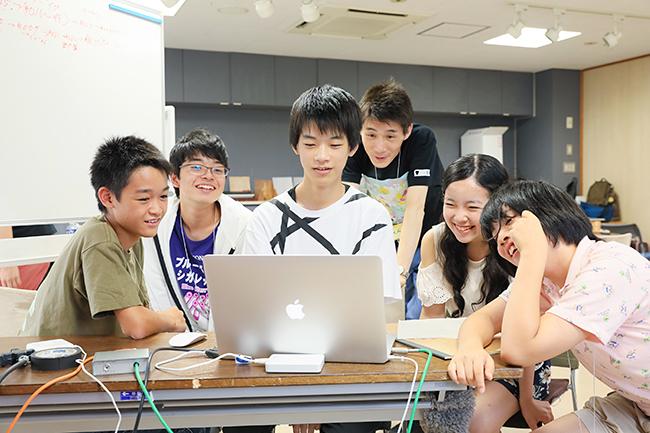 映画を「見る人、つくる人を育てる」ことを目的に、「第31回 東京国際映画祭」では中学生向けの映画制作ワークショップ「TIFFティーンズ映画教室2018」を夏休みに実施。2018年6月30日(土)まで参加者を募集!