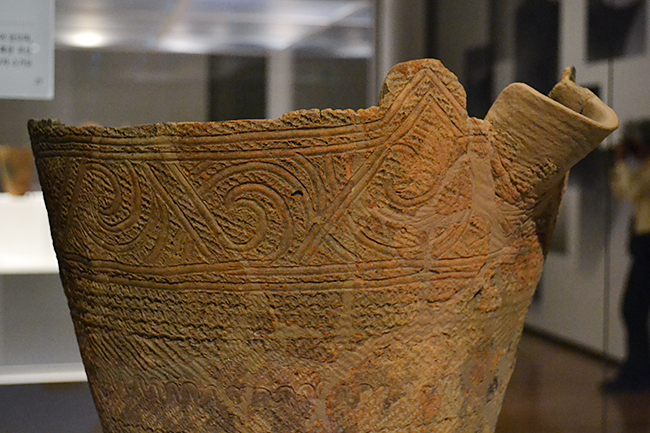 """A special exhibition """"Jomon - a beat of beauty of 10,000 years"""" that can experience the beauty origin of Japan, the Jomon era pottery, the clay figure etc, will be held at the Tokyo National Museum from Tuesday, July 3, 2018 ! I went there at once. Six items of Jomon National Treasures gather, valuable opportunities for children to see genuine Jomon pottery, clay figures. It is an exhibition that parents and children can experience such experiences that make people feel living in the Jomon period. Special exhibition """"Jomon - a beat of beauty of 10,000 years"""" will be held at the Tokyo National Museum until September 2, 2018 (Sun)!"""