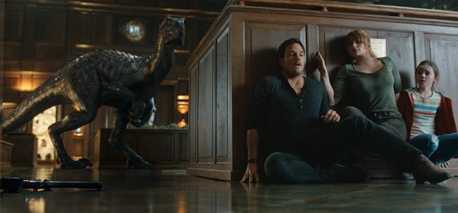 巨匠・スティーヴン・スピルバーグが恐竜に命をふきこんだ映画ジュラシックシリーズ最新作『ジュラシック・ワールド/炎の王国』が2018年7月13日(金)全国超拡大ロードショー!『ジュラシック・ワールド/炎の王国』の映画作品紹介、映画レビュー、感想。この夏子供と一緒に楽しめる映画!