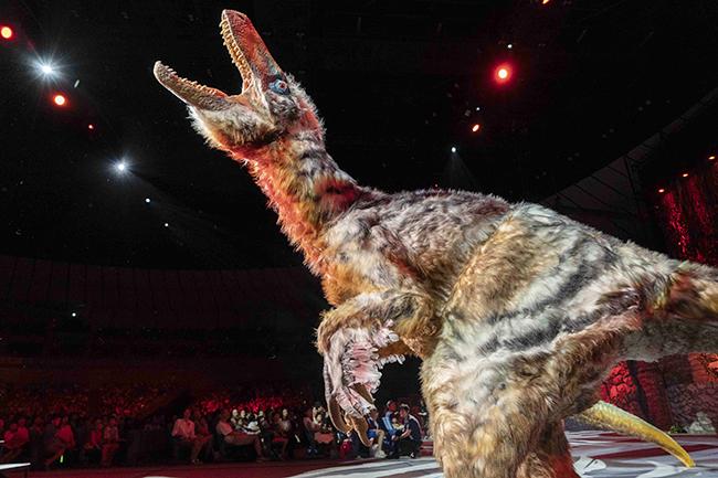 人気テレビ番組「世界一受けたい授業」から飛び出した、子供たちが大好きな恐竜にていて学べる恐竜ライブショー「世界一受けたい授業 THE LIVE 恐竜に会える夏!」が、2018年7月21日(土)から横浜アリーナを皮切りに全国5大アリーナで開催!芦田愛菜さん初舞台の横浜公演に行ってきた!2018年夏休みにおすすめの恐竜体験!