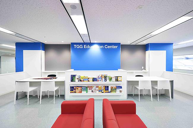 革新的な体験型英語学習施設「TOKYO GLOBAL GATEWAY(TGG)」が2018年9月6日(木)、東京・青海にオープン! 主に子供たちの学校での英語の学習効果を高めるために、実際に英語を使うことを体験できる「東京都英語村」。東京で留学体験!