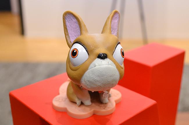 孤独な少女と戦闘用ロボット7723との絆を描いたNetflix(ネットフリックス)が贈る最新アニメーション映画『ネクスト ロボ』が、2018年9月7日(金)世界190ヵ国にて独占配信!子供と一緒に楽しめるハートフルアニメーションです。犬のモモの声を務めた劇団ひとりさんに映画の見どころをインタビュー!さらに子供の孤独、いじめ、芸人をめざす子供たちに本気のアドバイス!