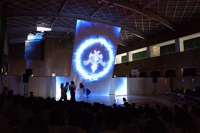 小学校巡回公演で11,000人の子供たちが観て、英語への関心が約4割、学習意欲が約3割アップした、子どもたちが英語に夢中になれるミュージカル「マグナとふしぎの少女 English アドベンチャー」初の一般公演が、2019年2月11日(月・祝)、神奈川県民ホールで開催!