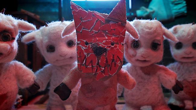 オオカミに食べられてしまった子ヤギ達を胃袋から助け出すお母さんヤギ。しかし、長男のトルクだけが見つからない! *本作品は「第24回学生CGコンテスト」においてアート部門、エンターテインメント部門の最優秀賞をダブル受賞いたしました。 The mother goat rescues her little goats from the wolf's belly. But, she can't find Toruku, her eldest son! Where is Toruku?!