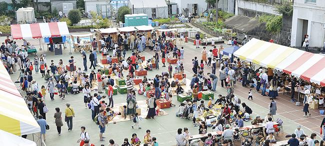 アイデアあふれる手作りおもちゃのワークショップ、グッド・トイの販売など、約6,000人もの親子、子供たちでにぎわう「東京おもちゃまつり2019」が2019年10月19日(土)~20日(日)、東京・四谷の東京おもちゃ美術館で開催!大道芸やパフォーマンスも!