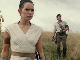 (Left to right( Chewbacca (Joonas Suotamo), BB-8, D-O, Rey (Daisy Ridley), Poe Dameron (Oscar Isaac) and Finn (John Boyega) in STAR WARS:  EPISODE IX