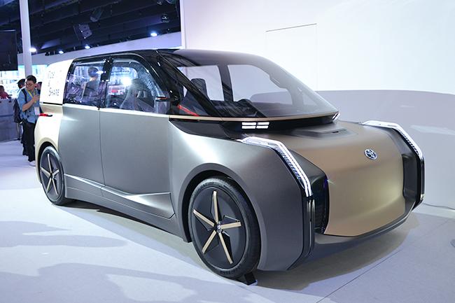 トヨタのライドシェア用モビリティ「e-Trans」(第46回東京モーターショー2019)