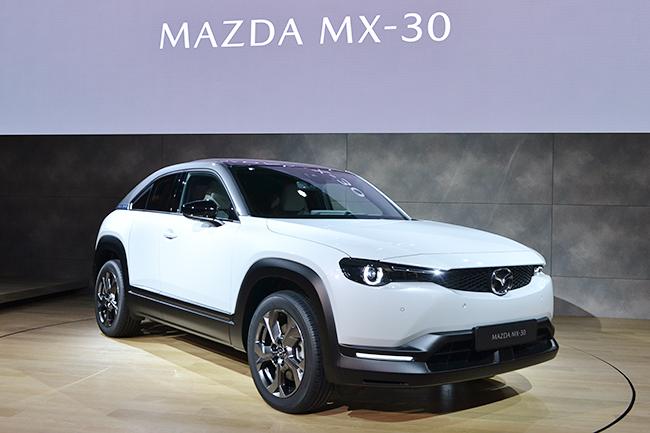 マツダ初の量産EV「MX-30」が世界初公開!(第46回東京モーターショー2019)