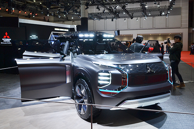 2019年のジュネーブ国際モーターショーで世界初公開、そして今回日本初公開された、三菱のミッドサイズ電動SUVコンセプト「エンゲルベルクツアラー」(第46回東京モーターショー2019)