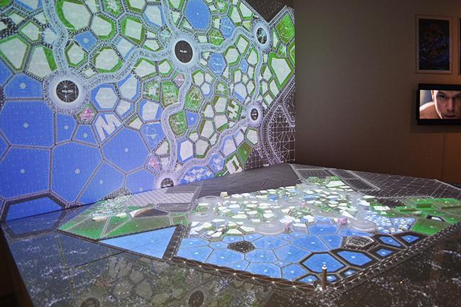 森美術館で2020年3月29日(日)まで「未来と芸術展:AI、ロボット、都市、生命—人は明日どう生きるのか」が開催中! 11月19日(火)に行なわれたプレス内覧会に行ってきました。子供たちにも見て欲しい、未来の社会、人間のあり方を考える展覧会です。