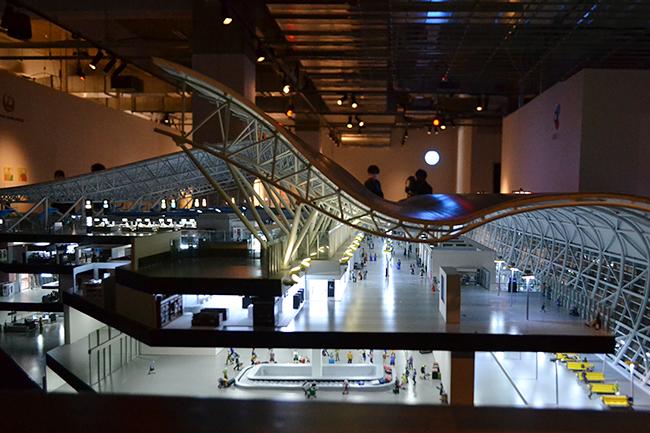 世界最大の屋内型ミニチュア・テーマパーク「SMALL WORLDS TOKYO(スモールワールズTOKYO)」が、2020年6月11日(木)有明物流センター内にグランドオープン!6月8日(月)にプレス内覧会が実施、スモールワールズTOKYOに行ってきました! セーラームーンやエヴァンゲリオンに会える!