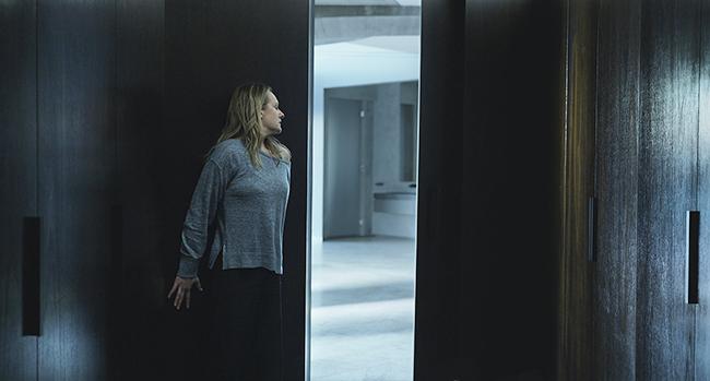 『ゲット・アウト』『アス』などの製作でハリウッドのホラー映画を牽引するブラムハウス・プロダクションズと、『ソウ』シリーズの生みの親リー・ワネルが監督、脚本、製作総指揮を手掛けたサスペンス映画『透明人間』が、2020年7月10日(金)全国公開!