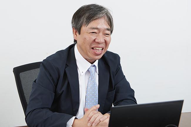 2020年4月から小学校で英語が必修化。「日本人は英語ができない」という長年の課題から脱却できるか?家ではどうすればよいか、バイリンガル教育の研究機関「ワールド・ファミリー バイリンガル サイエンス研究所(IBS)」の本郷雅英さんに子どもをバイリンガルに育てる方法をインタビュー!