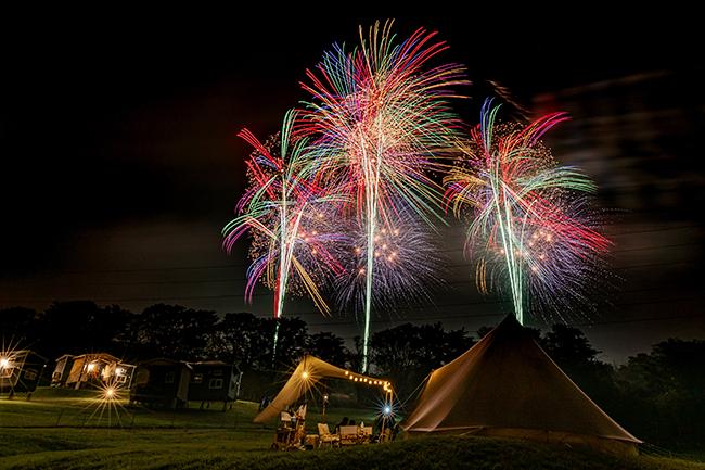 日本を代表する花火師4名(BIG 4)による一夜限りの花火イベント「The絶景花火プロローグ」が2020年10月4日(日)、世界遺産でもある富士山の「PICA富士ぐりんぱ特設会場」で初開催!2021年10月2日(土)には「The絶景花火」の本公演が実施(予定)!