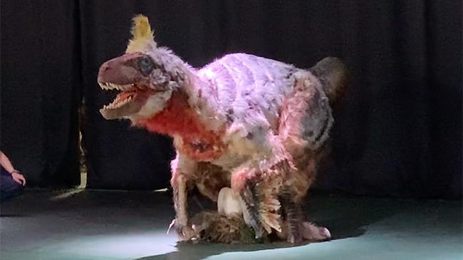 """まるで恐竜のいた時代にタイムスリップしたかのような圧倒的な恐竜体験ができる大人気の「DINO SAFARI(ディノサファリ)""""特別編""""」が2021年4月24日(土)〜5月9日(日)渋谷ヒカリエで開催! この恐竜、そして恐竜ライブショーを開発した株式会社ON-ARTの金丸賀也社長に、恐竜をつくりはじめたきっかけ、「ディノサファリ」のテーマパークなど今後の展開についてお話をお伺いしました!"""