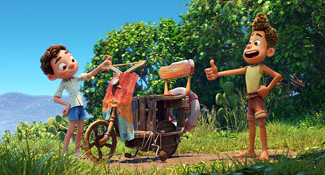 """『トイ・ストーリー』『リメンバー・ミー』など感動的な物語を贈り届けてきたディズニー&ピクサー最新作『あの夏のルカ』が2021年6月18日(金)ディズニープラスで独占配信!シー・モンスターの世界と人間の世界を舞台に""""最高の夏""""を描くサマー・ファンタジー・アドベンチャー!"""