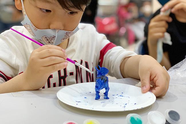 福井県立恐竜博物館が所蔵する多数の全身復元骨格などを通して紹介するとともに、最新の研究にもとづき、その生態や繁栄の謎に迫る「恐竜展2021」が、2021年7月10日(土)~9月5日(日)東京ドームシティ ギャラリー アーモで開催!
