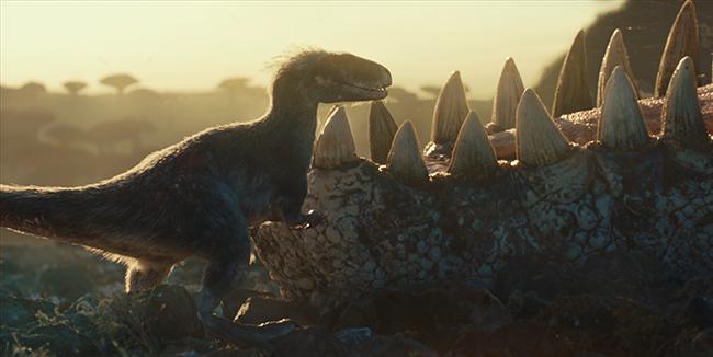 """巨匠・スティーヴン・スピルバーグが""""恐竜""""に命をふき込んだ『ジュラシック・パーク』シリーズ。2018年には『ジュラシック・ワールド/炎の王国』がメガヒットし、ついに全世界待望のシリーズ最新作『ジュラシック・ワールド/ドミニオン(原題)』が2022年夏、全国超拡大ロードショー!"""